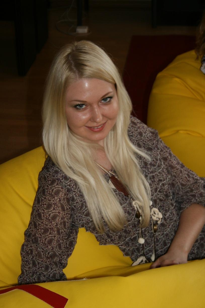 Красивая барышня из Яндекс.Украина