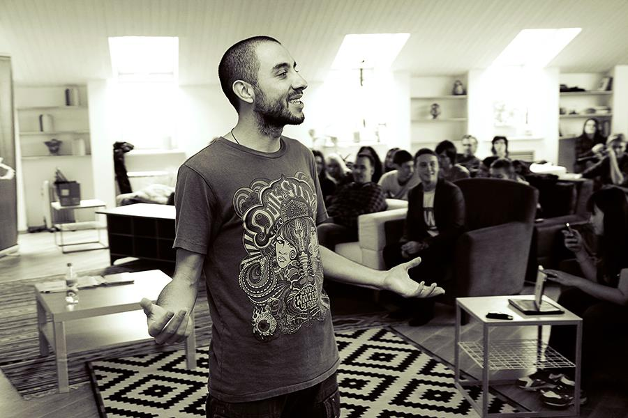 Арам Мирзоянц - дизайнер