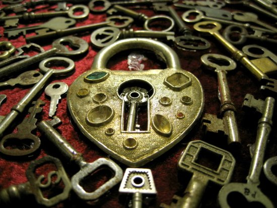 Heart_Keys_by_dementedviking L