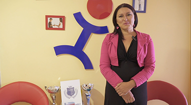 Отзив за работата на Netpeak: Ваня Ананиева - ръководител на езикови училища «Intellect»